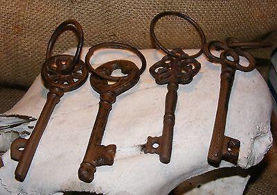 Cast Iron Skeleton Key With RIng SET OF 4 #114E