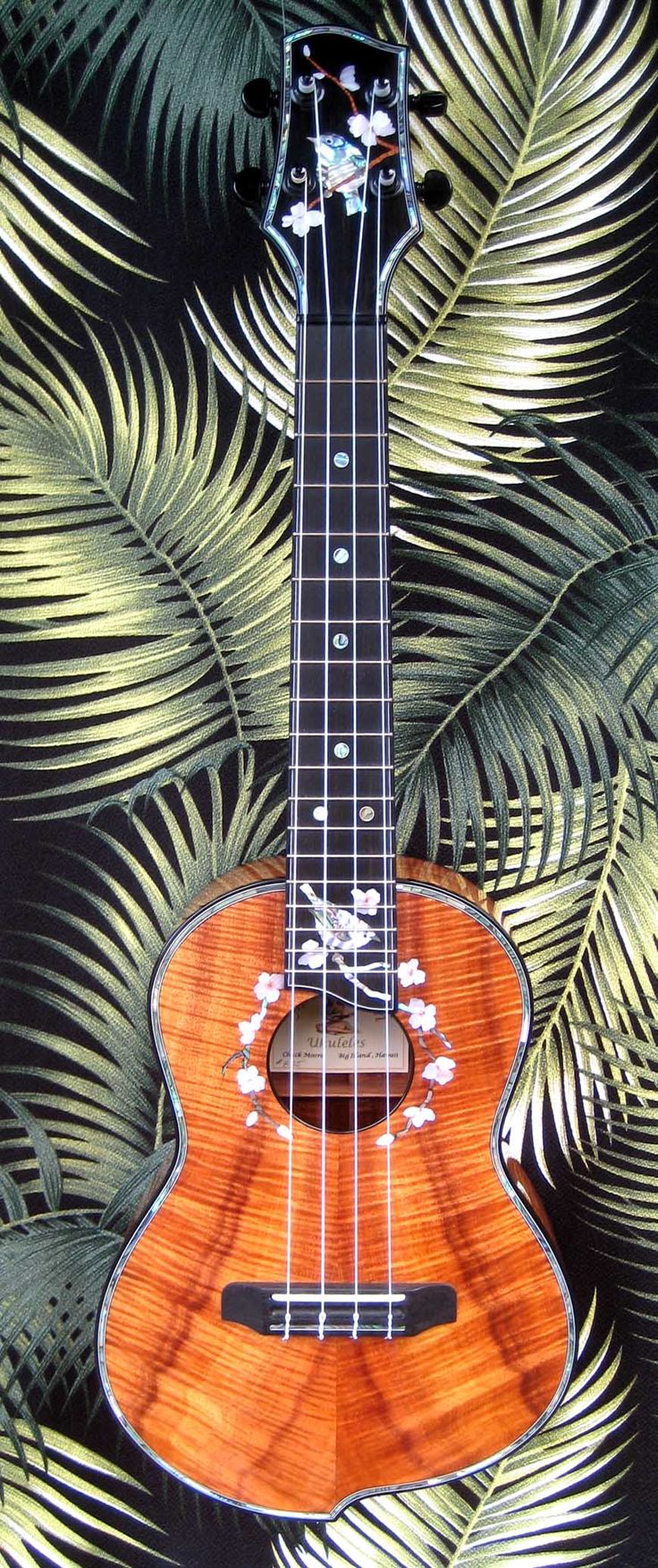 "4 String tenor ukulele  ""Japanese White Eye"""
