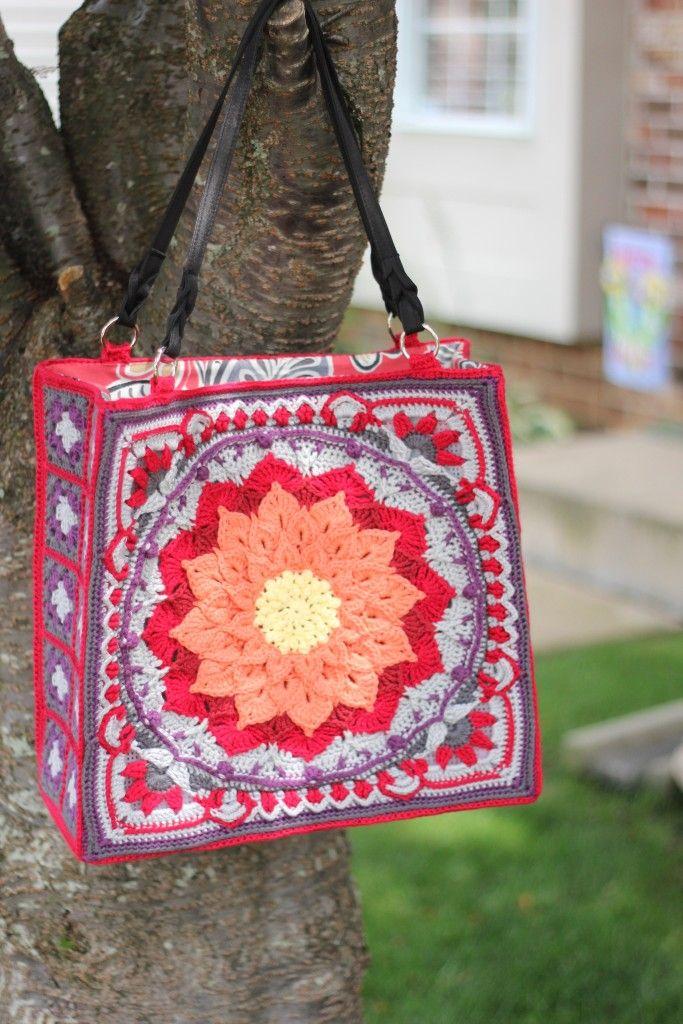 Enchanted Garden Bag tutorial using plastic canvas instead of a jute bag.