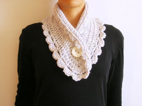 Short Scarf • Free tutorial with pictures on how to make a knit scarf / crochet scarf in under 120 minutes