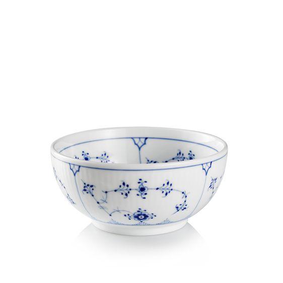 Royal Copenhagen Blue Fluted Plain Bowl 47 cl