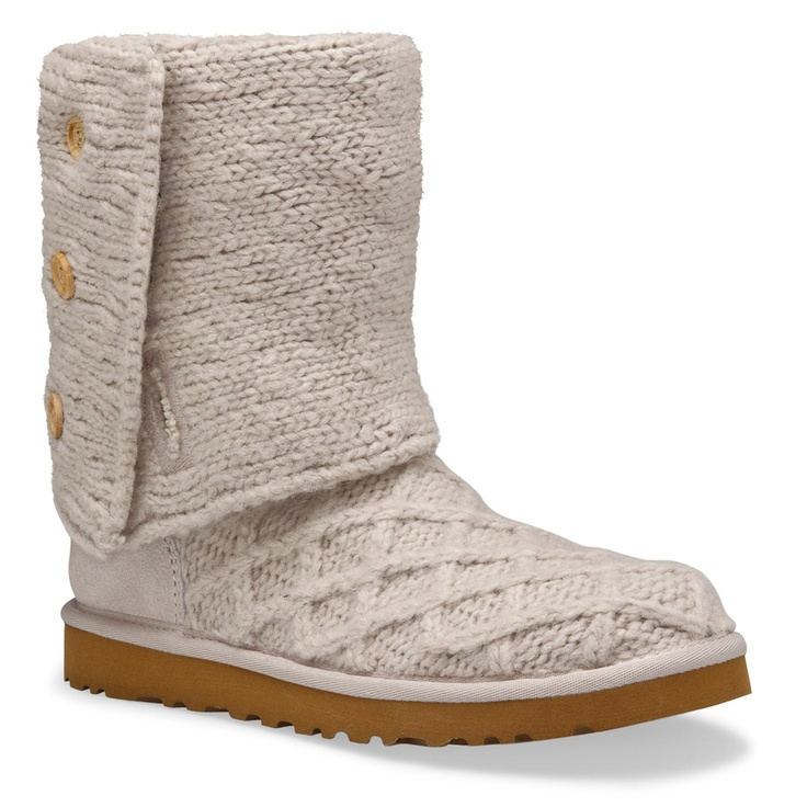 UGG Australia has outlets all over the place with its footwear on discount, as do two big name retailers that have their own outlet stores that often offer cheap UGGs. Saks Fifth Avenue has its Off-Fifth and Nordstrom has its Nordstrom Rack.