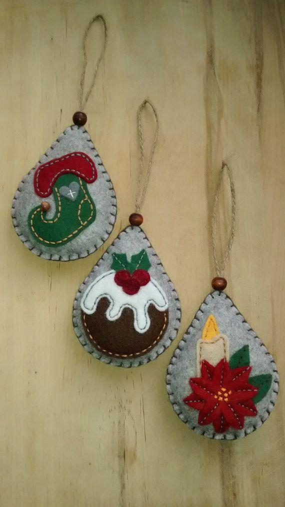 Estos tres adornos de fieltro haría una decoración ideal árbol festivo.  Cada uno está diseñado y hecho a mano por mí en fieltro suave, ligeramente