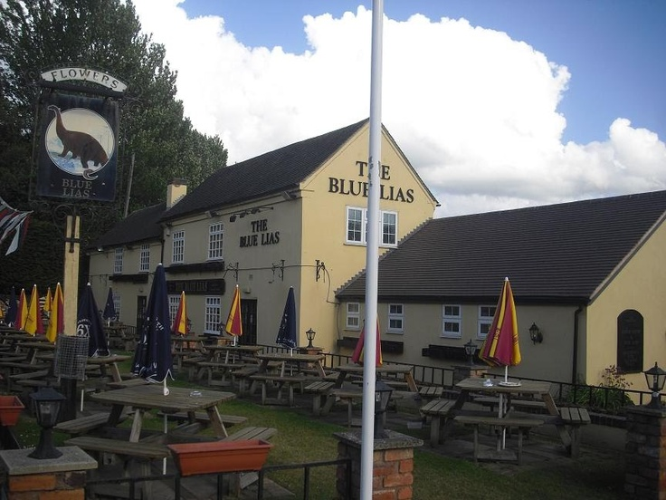The Blue Lias Inn, Long Itchington: Life on the waterways of England and Wales with Marlene and Mick.