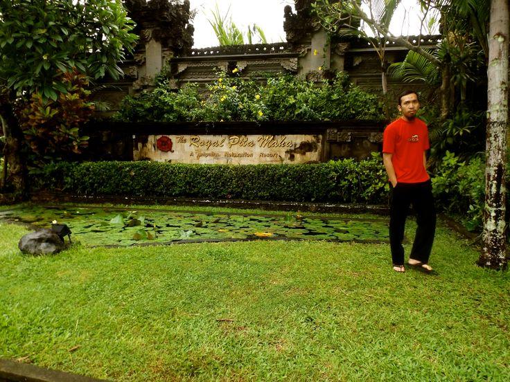 my hubby took a shoot on entrance of The Royal Pita Maha Resort, Bali. #ALIKA