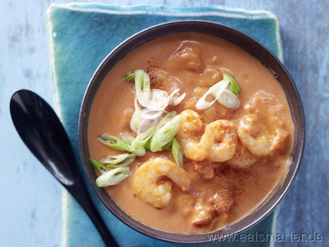 Unser Tagesrezept vom 28.07.2012 - Tomaten-Kokos-Suppe - smarter - mit marinierten Garnelen. Kalorien: 132 Kcal | Zeit: 10 min. #recipe