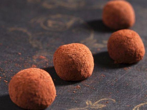Marzipanpralinen ist ein Rezept mit frischen Zutaten aus der Kategorie None. Probieren Sie dieses und weitere Rezepte von EAT SMARTER!