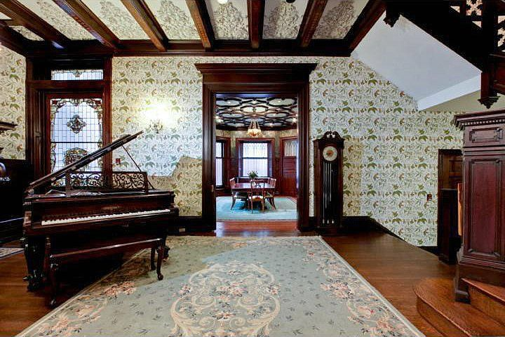Old World, Gothic, and Victorian Interior Design