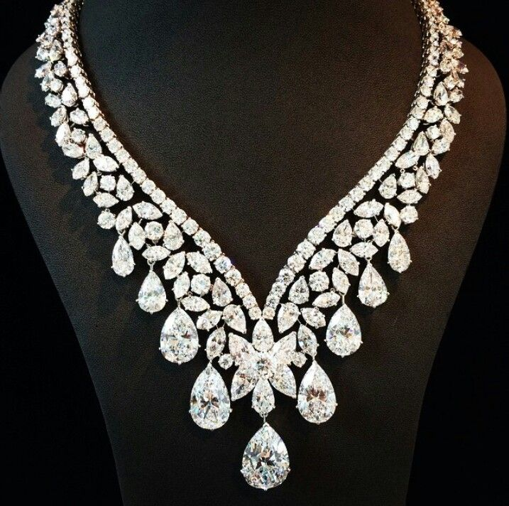 Cartier /lnemnyi/lilllyy66/ Find more inspiration here: http://weheartit.com/nemenyilili/collections/22262382-like-a-lady