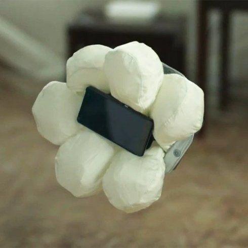 Создана подушка безопасности для смартфона - http://supreme2.ru/8543-sozdana-podushka-bezopasnosti-dlya-smartfona/