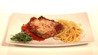 Escalope de veau parmigiana, linguines au beurre