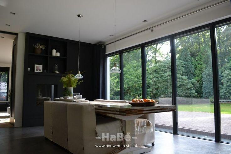 Neu erbaute moderne Villa mit Reetdach – Küche
