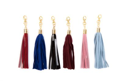 Designed to complement the 'Florens' collection, these charming tassel and Jacinta Lepoutre acrylic flower logo keychains makes a decorative accent clipped to your Jacinta Lepoutre bag, wallet or clutch.Gold plated hardware.Available in six luxurious colours: Noir, rouge, electric blue, pink, pale blue and bordeaux.