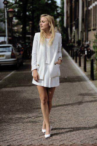 ゆったりめのジャケットでゆるく着こなす♪ トレンド感のあるスーツジャケットの人気コーデ一覧。デイリーファッションの参考に。