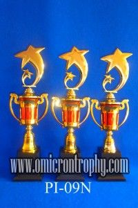 Grosir Piala Jual Trophy Piala Penghargaan, Trophy Piala Kristal, Piala Unik, Piala Boneka, Piala Plakat, Sparepart Trophy Piala Plastik Harga Murah