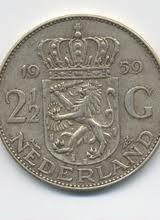 De oude twee en halve Gulden, nog voor de  euro, toen kon je inderdaad nog heel veel kopen op de markt ermee, de euro heeft een hoop kapot gemaakt