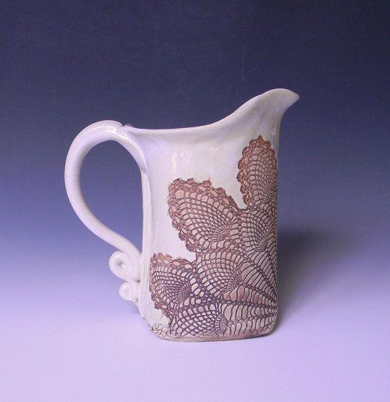 Piña encaje impresionado jarra de cerámica 1 cuarto de galón