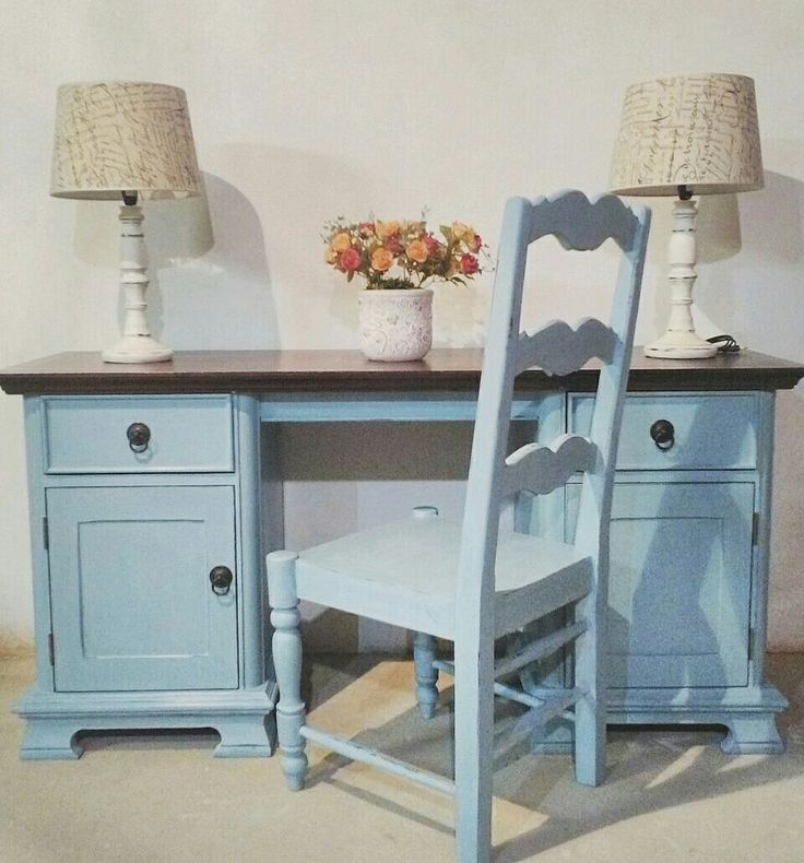 Painted with a mix of Annie Sloan Paris Grey and Girveny Blue.