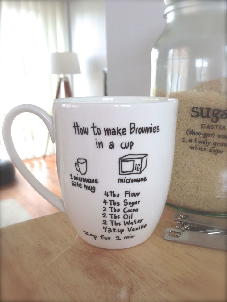 Brownie in a CUP! This would be great as a gift...sharpie the instructions onto mug, add the dry ingredients and wrap. Think teacher, babysitter, niece/nephew...