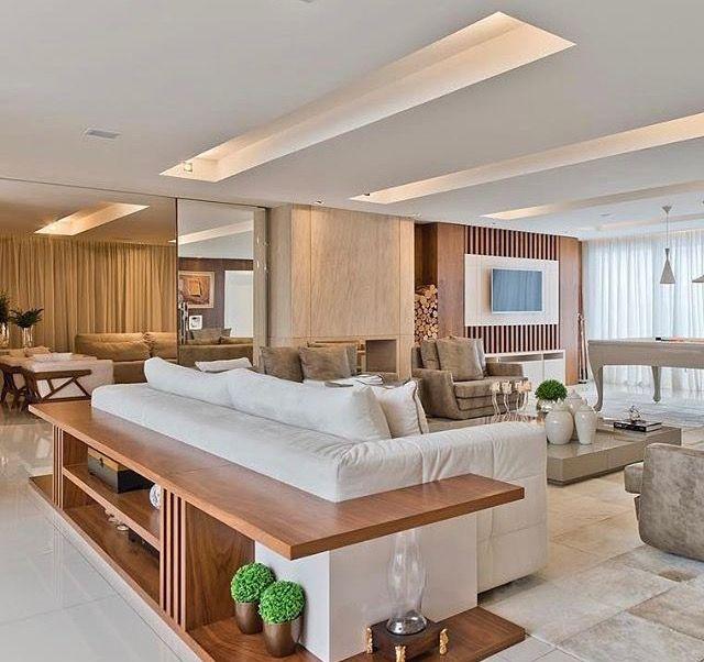 ✅ balcão junto ao sofá  ⚠️ puffs em baixo, acoplados