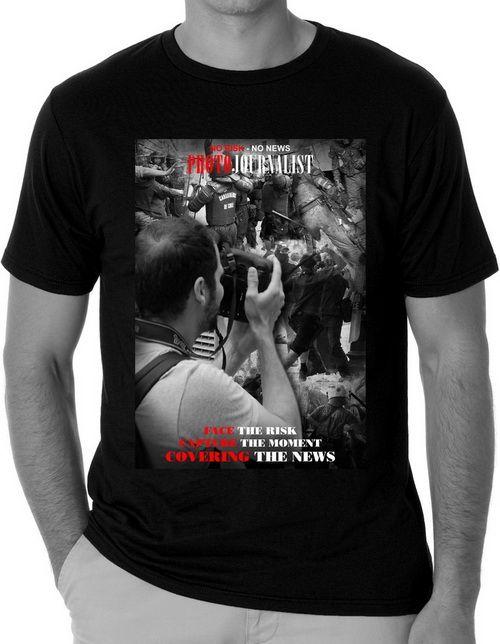 #kaosdistro Oagio KJ1 - Kaos Distro. Desain kaos bertema jurnalis untuk para jurnalis Indonesia. Menggunakan bahan berkualitas tinggi, demikian juga sablon dan jahitannya. Banyaknya komunitas jurnalis di Indonesia menjadi inspirasi untuk membuat produk kaos distro dengan tema seputar jurnalis.
