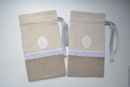 Купить или заказать Льняные мешочки 'Медальоны' (эко-дом) в интернет-магазине на Ярмарке Мастеров. Изящные льняные мешочки с легким романтическим флером. Украсят интерьер в стиле винтаж или прованс. Подойдут для хранения трав, специй, различных милых сувениров, могут использоваться в качестве подарочной упаковки. Мешочки сшиты из российского и корейского льна, украшены текстильными нашивками и хлопковым кружевом. Подкладка мешочков выполнена из светло-кремовой полульняной ткани.