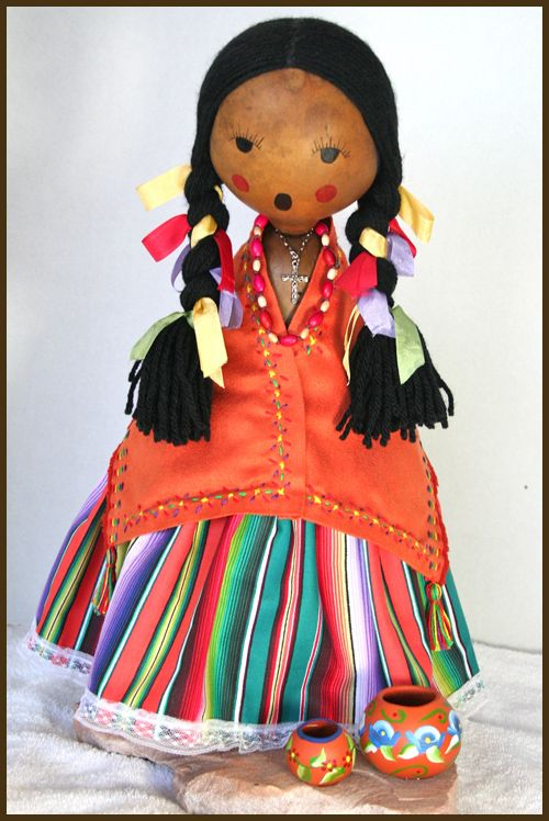 Fiesta Girl Gourd Doll by Norma, photograph by maria@delpinto.com