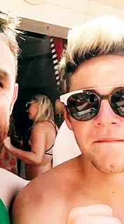 """dailyniall: """"Vegas Pool Party (via conorssketches) """""""