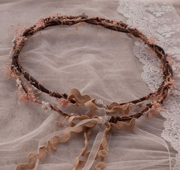 Ξυλινα στεφανα γαμου  See more on Love4Weddings  http://www.love4weddings.gr/stefana-gamou-enamel/