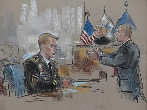 Esboço do tribunal mostra soldado Bradley Manning (à esquerda) e seu advogado David Coombs durante o primeiro dia do julgamento em Maryland nesta segunda-feira 93) (Foto: William Hennessy/ Reuters)