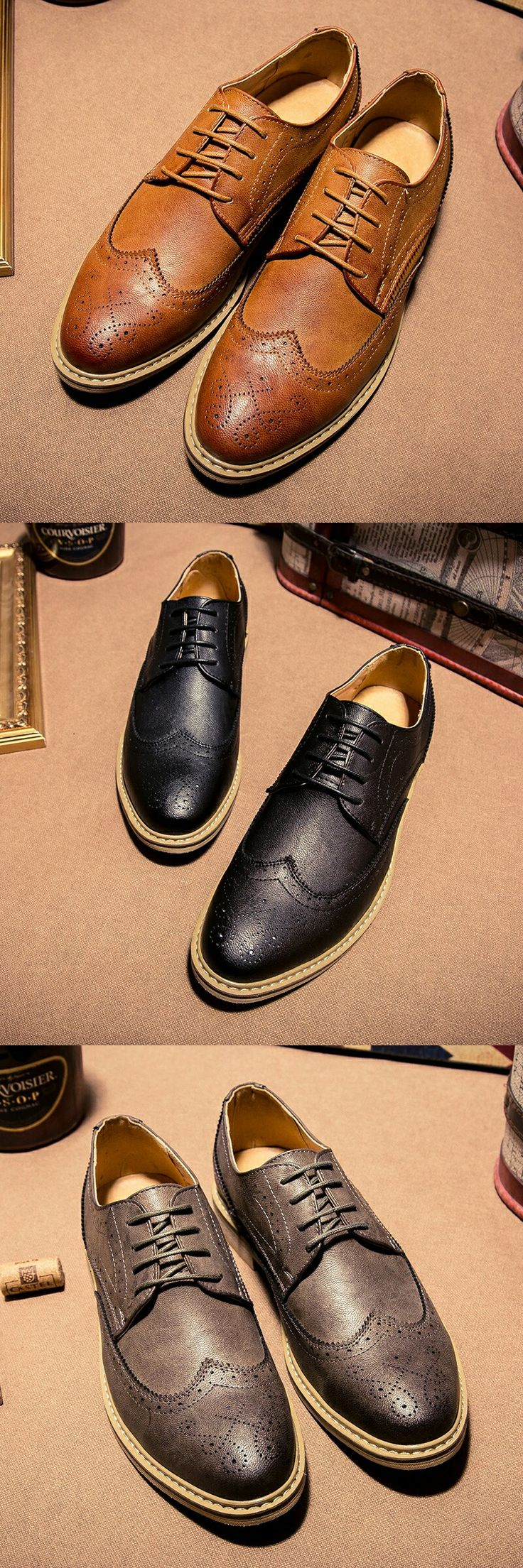 New Arrival Vintage Retro Leather Men Dress Shoes Business Formal Brogue Pointed Toe Carved Oxfords Wedding Shoes