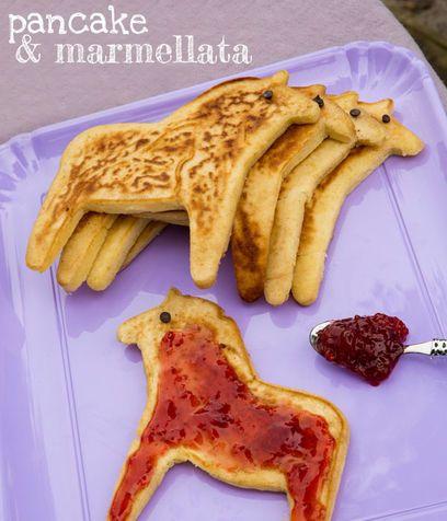 Merenda per bambini: pancake e marmellata