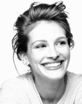 Julia Roberts. One of the best actors & one of the most beautiful people.
