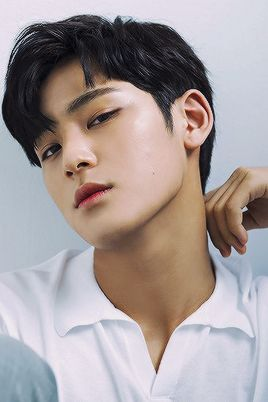 Mingyu - His tanned skin tone is fucking perfection..  It's luscious, handsome,..  perfect..  I would slay anyone who gives him cause to doubt his own perfection.. I would still their breath and make even the gods tremble to repeat same words. (I've been marathoning Spartacus again..  I should probably watch something else for a while..)