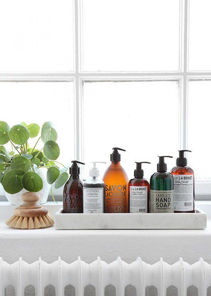 Décoration salle de bain : quand les flacons deviennent éléments design
