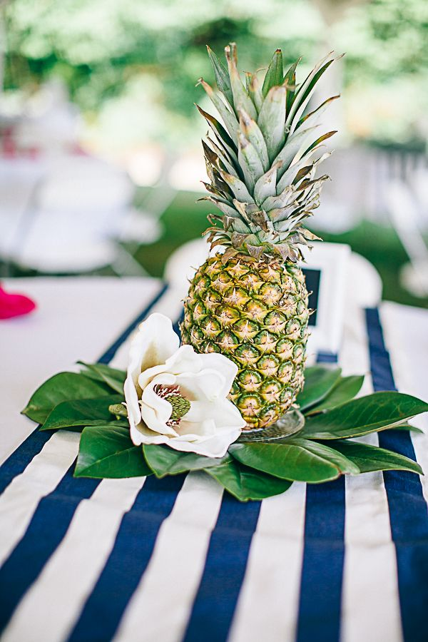 pineapple centerpieces! | Nikki Santerre #wedding