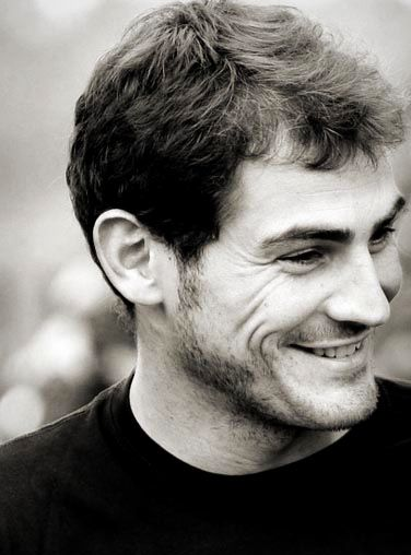 Iker Casillas murdaskedano  http://soymurdaskedano.wordpress.com/