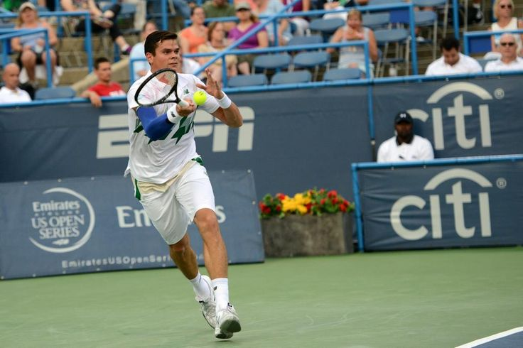Milos Raonic in action tonight. He's through to the quarters here in DC. @Tennis_Canada pic.twitter.com/i8W4fXsW9M