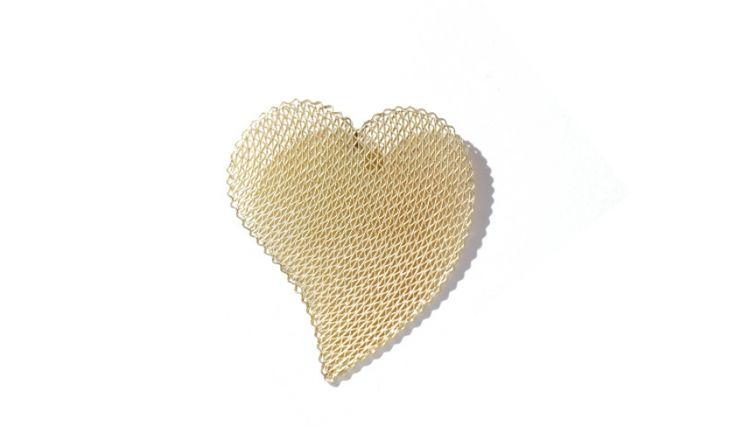 Liliana Guerreiro | Colecções - Handmade gold heart pendant, with an ancient filigree technique, mesh