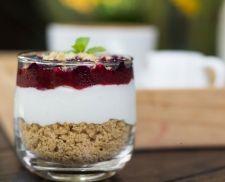 Trifle με Ζελέ Ρόδι και γιαούρτι