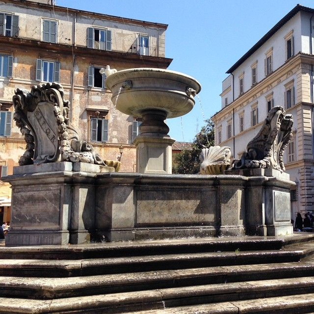 #fountain #Roma #light #spring #travel #urban #urbantraveltales #Italy #instatravel