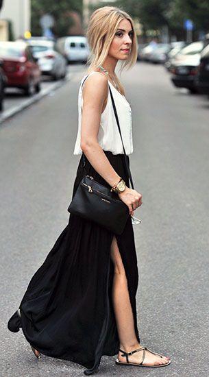 เสื้อกล้ามสีขาว Oysho, กระโปรงยาวสีดำ Zara, รองเท้า River Island, กระเป๋า Mango