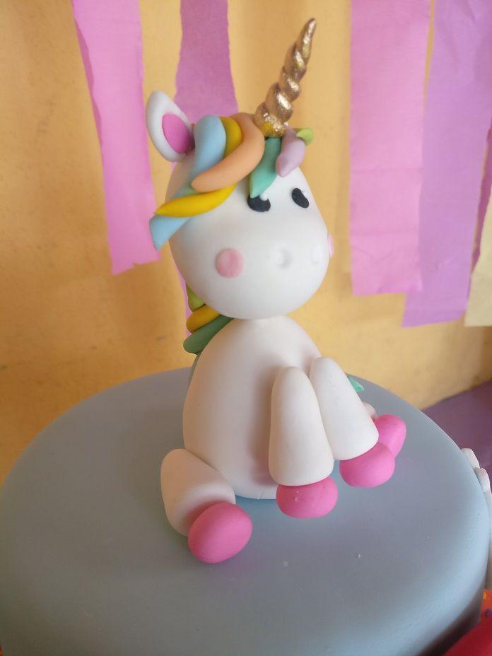 #costaricawedding #bakeryfantasy #cupcakes #minicakes #weddingcake #wedding #boda #babyshower birthday #cumpleaños #sweettable #mesaDulce #candybar #cake #cookies #galletas #desserts #postres #popcakes