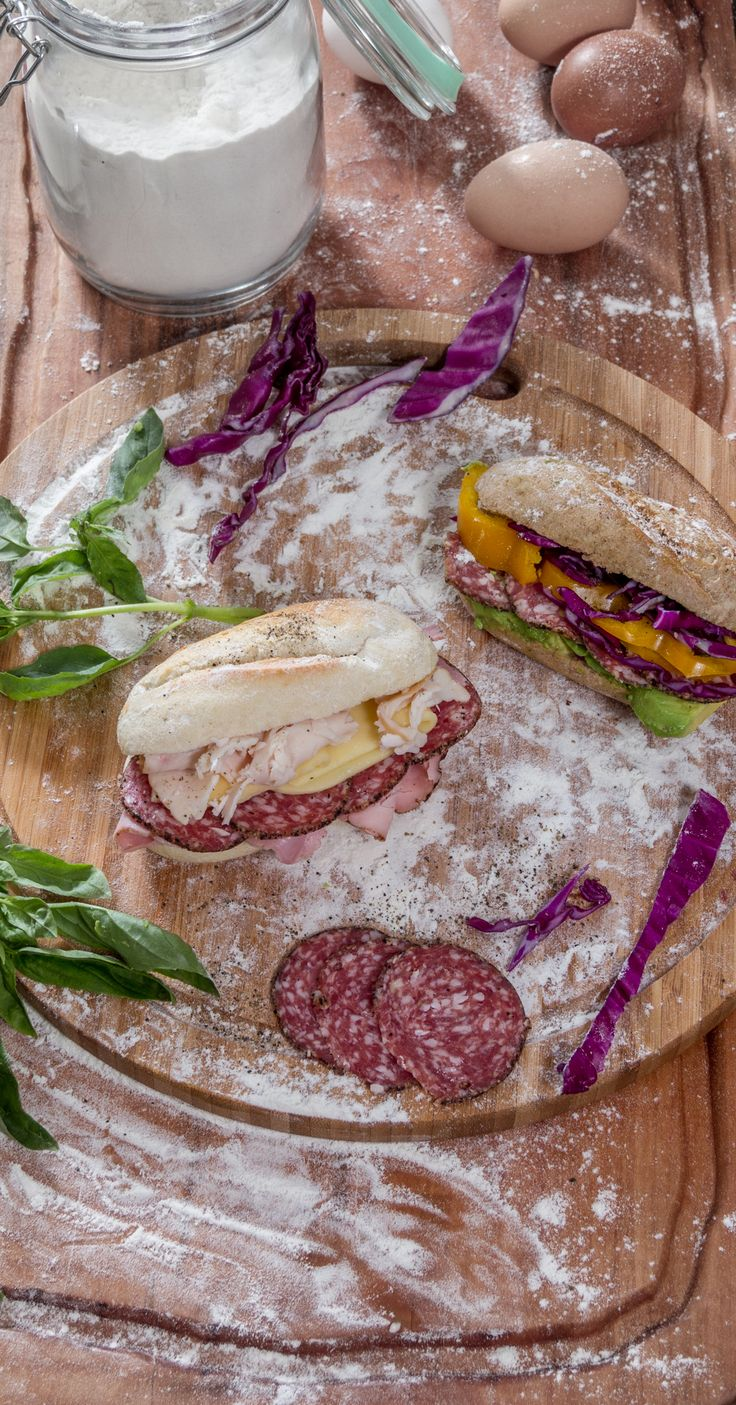 ¿Una tarde de creatividad en la cocina? Las barritas de HOME BAKERY de BredenMaster te dan la posibilidad de combinar con lo que quieras tus sándwiches y con la certeza de que quedarán exquisitos.
