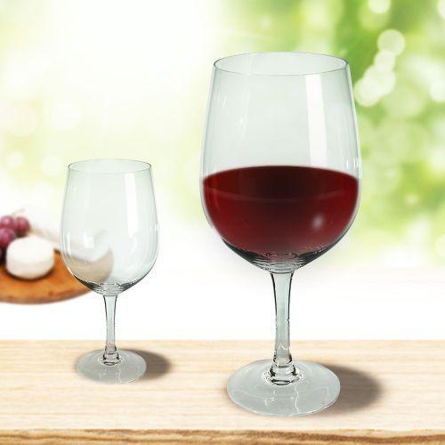 Das Riesen weinglas lädt bei 750 ml Füllmaximum zu ausgefallenem Weingenuss ein - ein ganzer Flascheninhalt findet in diesem XXL-Gefäß Platz!