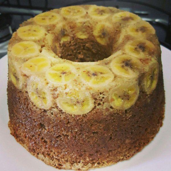 O Bolo de Banana Integral (com Aveia e Canela) é prático, delicioso e cheio de fibras. Deixe sua família mais saudável com esse bolo de banana maravilhoso!
