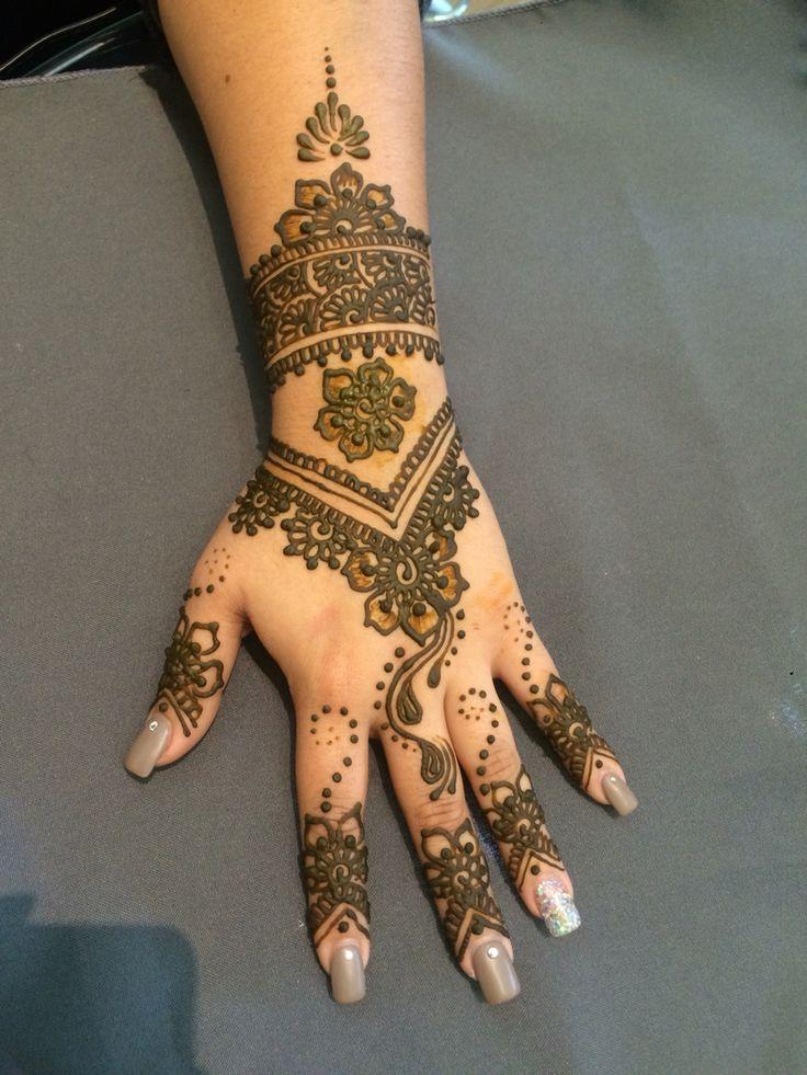 les 108 meilleures images propos de henne sur pinterest mod les tatouages au henn henn et. Black Bedroom Furniture Sets. Home Design Ideas