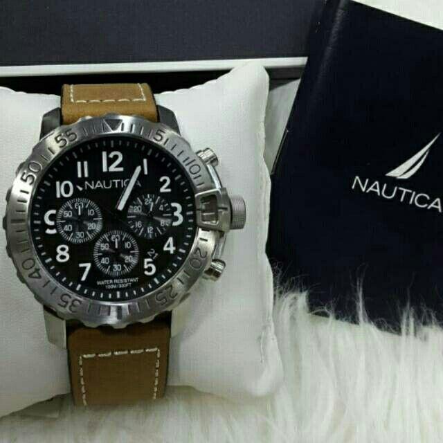 Saya menjual Jam Tangan Pria Nautica NAI18506G Silver Leather ( Kulit ) Original Murah seharga Rp2.300.000. Dapatkan produk ini hanya di Shopee! https://shopee.co.id/azshop30/196502105 #ShopeeID