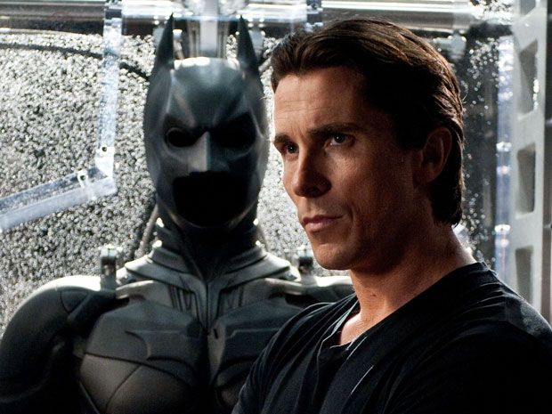 BONUS: We've seen A LOT of different body types from Christian Bale - and we know he has a talent for getting into awesome shape for his given roles...! BUT, his Batman physique is really freakin'impressive. One thing I want to point out is the fact that we have a new batman coming in the near fut…