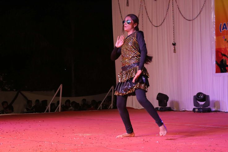A college festival is not just for fun, it adds value to a student's learning experience. Spark is the annual fest of @KJIT, celebrated every year for students to showcase their talent in the extra-curricular activities. Here is a glimpse from the event. Stay tuned for more updates.  #AnnualFest #Spark #Dance #singing #acting #Fashionshow #Collegefest #KJIT #vadodara